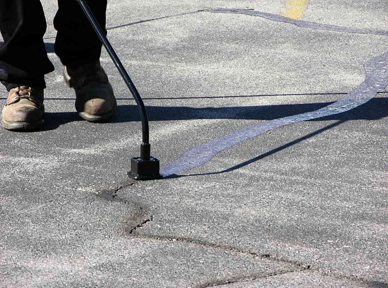 Asphalt Crack Filling Services
